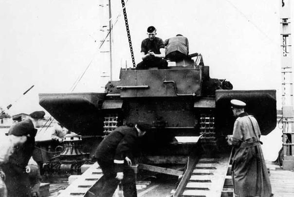 ЭКСПЕРИМЕНТАЛЬНЫЙ ПЛАВАЮЩИЙ ТАНК ВЕРМАХТА SCHWIMMPANZER 38(t) Осенью 1939 года Германия начала подготовку к проведению операции «Морской лев» («Seelowe») по высадке морского десанта в Британии.