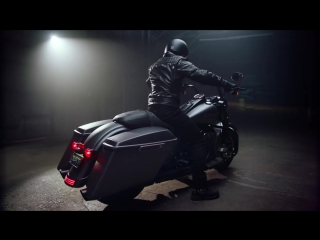 2017 #RoadKingSpecial - Stripped Down and Muscled Up