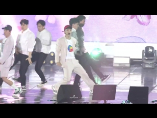 [FANCAM] 180804 Summer Vacation with EXO-CBX: D-1 @ EXO-CBX Chen - Bloomig Day