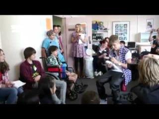 Justin Bieber and Selena Gomez visiting Starship Hospital 2012