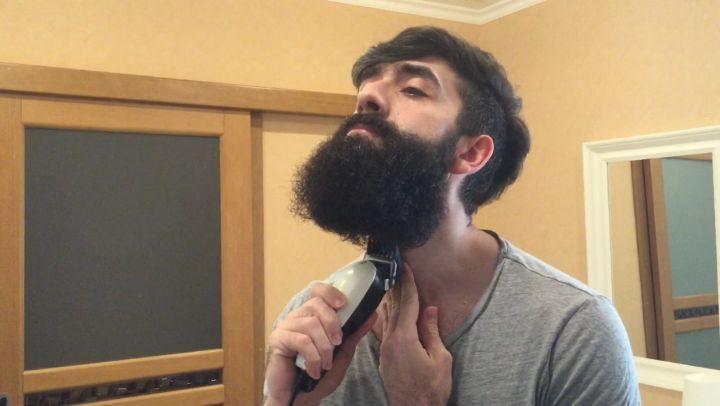"""Давид Мовсесян on Instagram: """"Решил снова вести Instagram, начну с этого видео как в 2015 году сбрил бороду, которую носил почти целый год😂 борода..."""