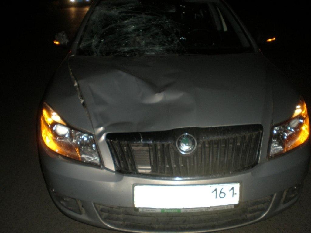 Под Таганрогом водитель Skoda Octavia насмерть сбил 42-летнюю женщину-пешехода