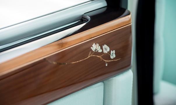 «Мы не делаем обычных вещей». Почему Rolls-Royce такой дорогой.