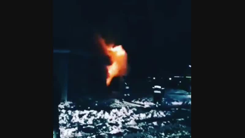 Работа пожарно-спасательных подразделений по адресу: Дмитровское шоссе дом 167. Заявка поступила 11.01.2019 в 00.31 загорание бы