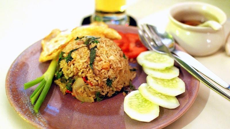 Као пад гай (Khao Pad Gai) Жареный рис с курицей. Тайский рецепт.