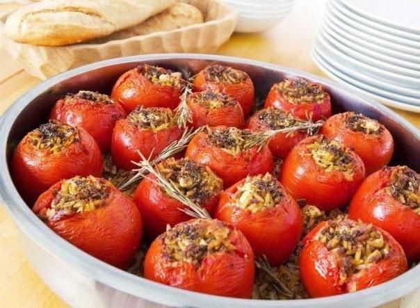 Запеченные помидоры с мясом