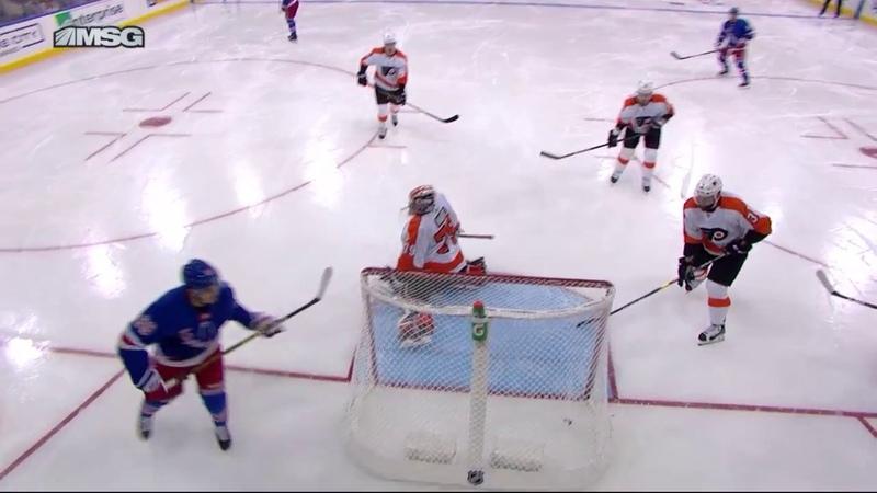 Павел Бучневич забрасывает «Филадельфии» в выставочном матче