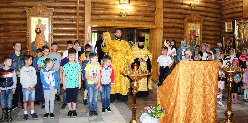 Начал работу летний Казачий клуб при храме Святителя Николая