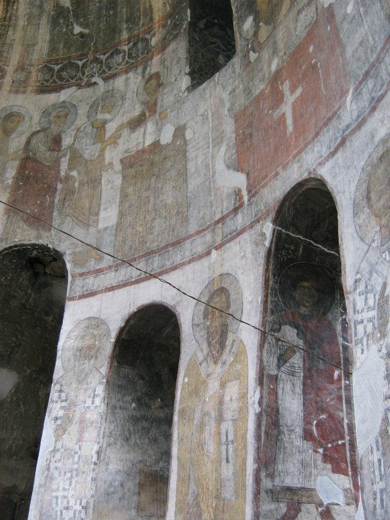 старинные фрески в церкви Кобайр (Kobayr)