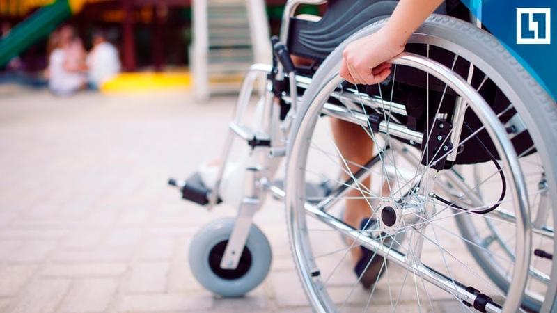 Сломали пандус для ребенка-инвалида