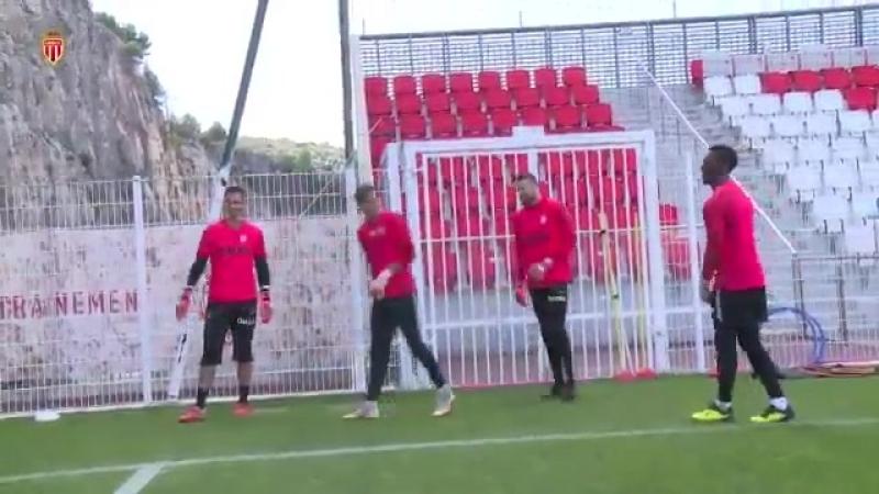 Как тренируются вратари ФК Монако: Субашич и Ко