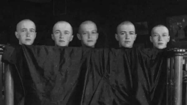 Весной 1917 года четыре дочери Николая Второго и Александры Федоровны переболели корью