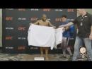 Как Кормье делал вес на UFC 210 vk/best_ufc