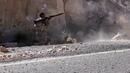 Араб стреляет из MG времен Второй мировой войны Сирия 2017 год