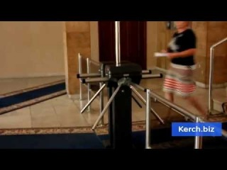 Турникет в керченский исполком - эхо старой власти Керчи