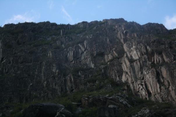 Мне очень нравятся рубленные скалы.