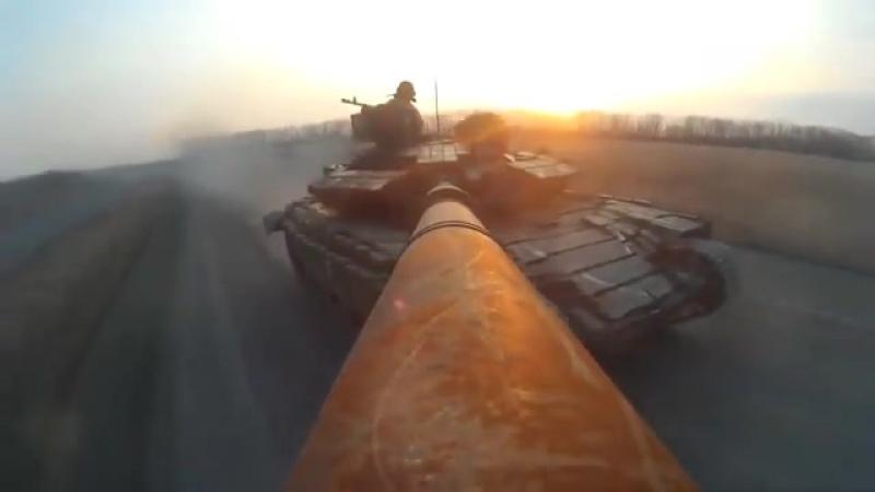 В Сети высмеяли «драйвовое видео» украинских танкистов от Порошенко