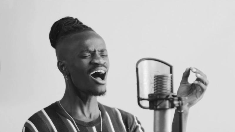 Kwaye Paralyzed acoustic