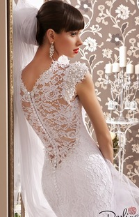 Кружевное свадебное платье длинным