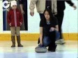 Женская сборная России по кёрлингу провела в Новосибирске мастер-класс для всех желающих http://youtu.be/Ucz-N6XjAUI