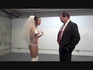Азиатская невеста доминирует над мужиком. Фемдом