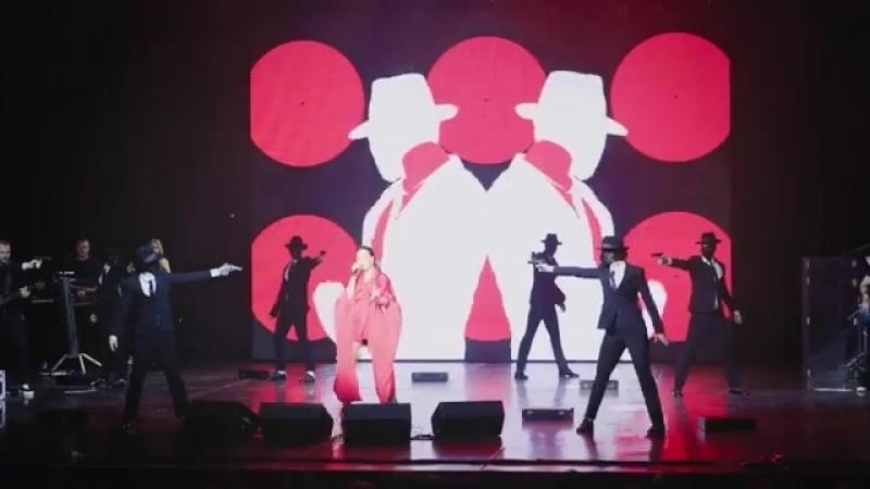 Ани Лорак. Видеоотчёт с шоу «DIVA» (Тюмень, ДК «Нефтяник», 09.10.18 г.)