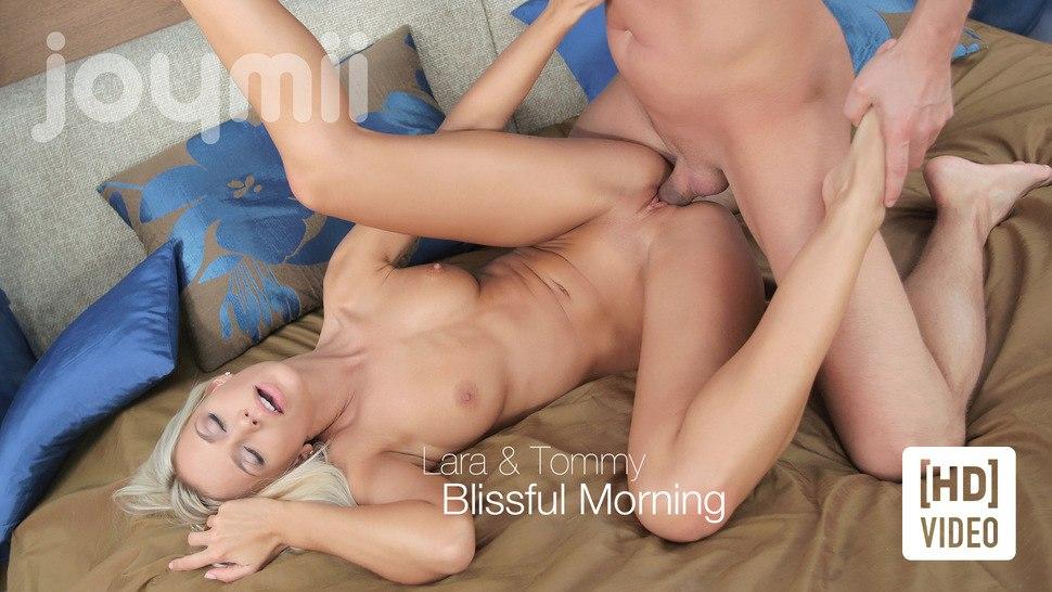 Утренний секс с молодой девочкой