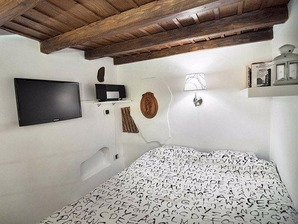 Очень маленькая квартира в Риме