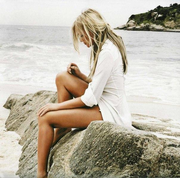 Фото блондинок с зади