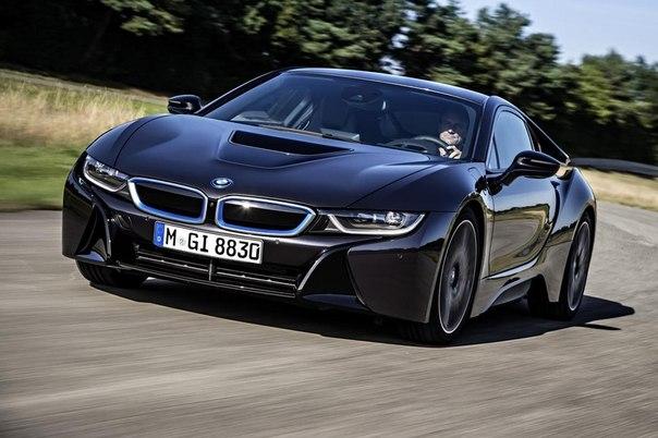 """Экологический спорткар BMW станет базой для самой быстрой машины марки Споры вокруг возможности выпустить собственный суперкар ведутся в руководстве баварского концерна достаточно давно. Босс BMW Норберт Райтхофер выступал против разработки модели M8, однако, судя по всему, в """"подразделении М"""" смогли настоять на своем. Похоже, проект самого мощного и быстрого суперкара от M GmbH в ближайшее время получит """"зеленый свет"""". Как сообщает издание AutoBild, спорщики все же пришли…"""