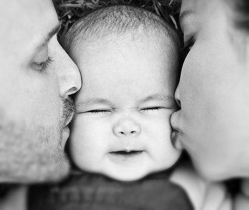Как просто определить пол ребенка по датам рождения родителей  Как только не изощряются будущие родители, чтобы зачать ребенка определенного пола. Существует масса народных поверий, модных диет и специальных календарей. Но самый распространенный способ - определить пол ребенка по датам рождения родителей.  Инструкция ▼.