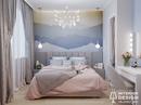 Маленькая спальня с гардеробной вместо шкафа.
