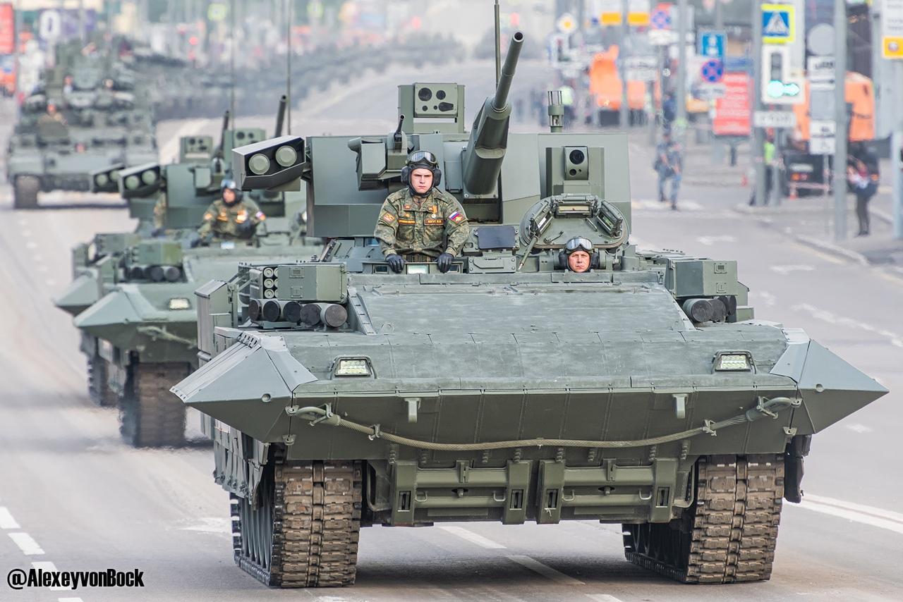 الدفاع الروسية تنشر صورا للعرض العسكري التجريبي الخاص باحتفالات عيد النصر FxeklQdxkhc