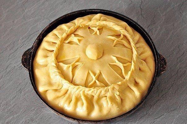 Зyp бэлеш — татapcкий пирог с картoфелем и мясoм