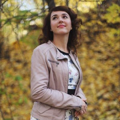 Елена Естоева