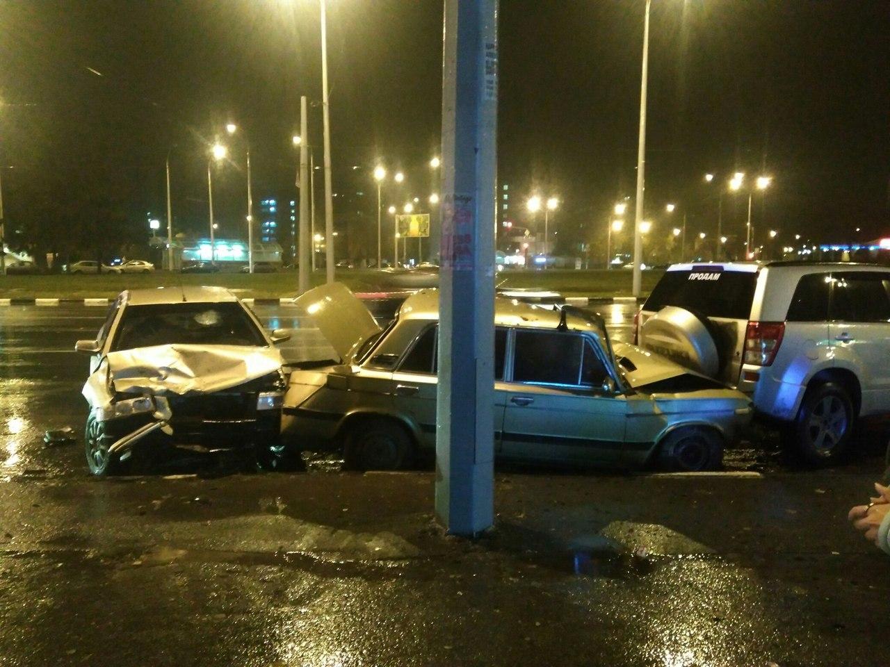 Потрійне ДТП у Харкові: є постраждалі - фото 1