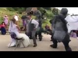 Брачный дино-танец для невесты