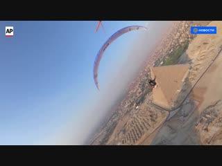 Полет на параплане над египетскими пирамидами