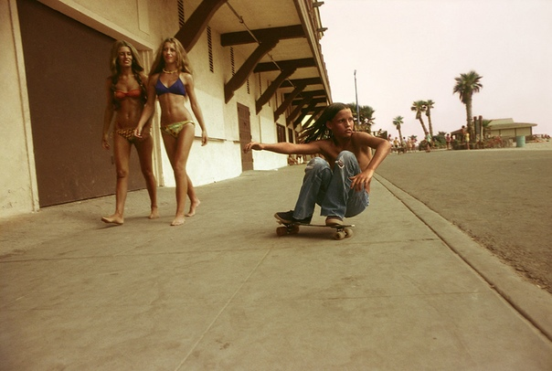 Такими были когда-то ролики. В основном на фото Лос-АнджелесII половина 70-х, начало 80-хСША