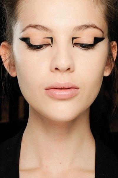 Дневной деловой макияж