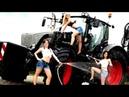 ТОП подборка Красивые девушки моют трактор Ты должен это видеть