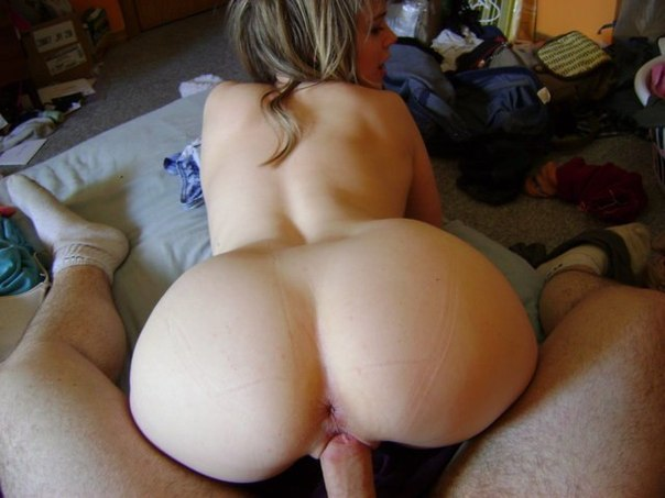 Fingering and licking for cute lapdancer