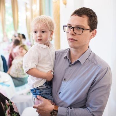 Михаил Навныко