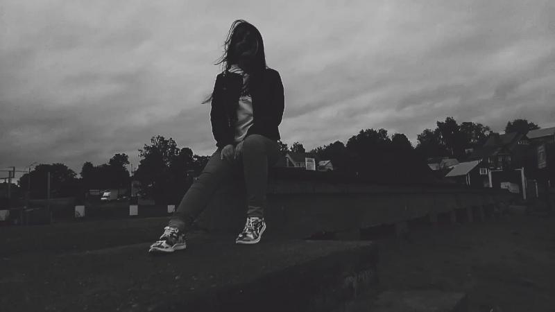 AlyoNa Dii - deep end (vid rmx) lite video