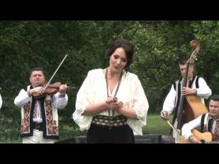 """�La fîntîna de la poartă"""" Anişoara Puică şi orchestra """"Lăutarii"""", prim-dirijor Nicolae Botgros"""