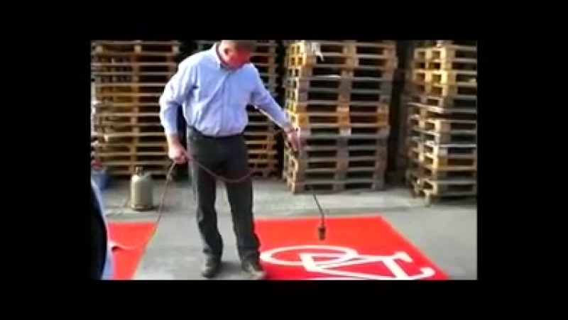Hand application cold plastic │ road marking with skid resistance