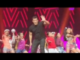 @BeingSalmanKhan performs with the kids of Arya Dance Academy ...what a cute sight!!! - -.mp4