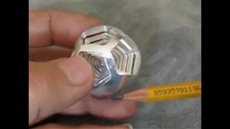 Фрезерованные додекаэдры в шарике