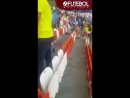 Japanese fans clean the stadium WORLD CUP 2018(1)