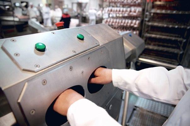 К персоналу на предприятиях предъявляются жесткие требования по личной гигиене.